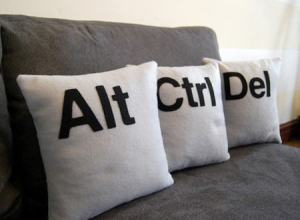 ctrl-alt-del-pillow